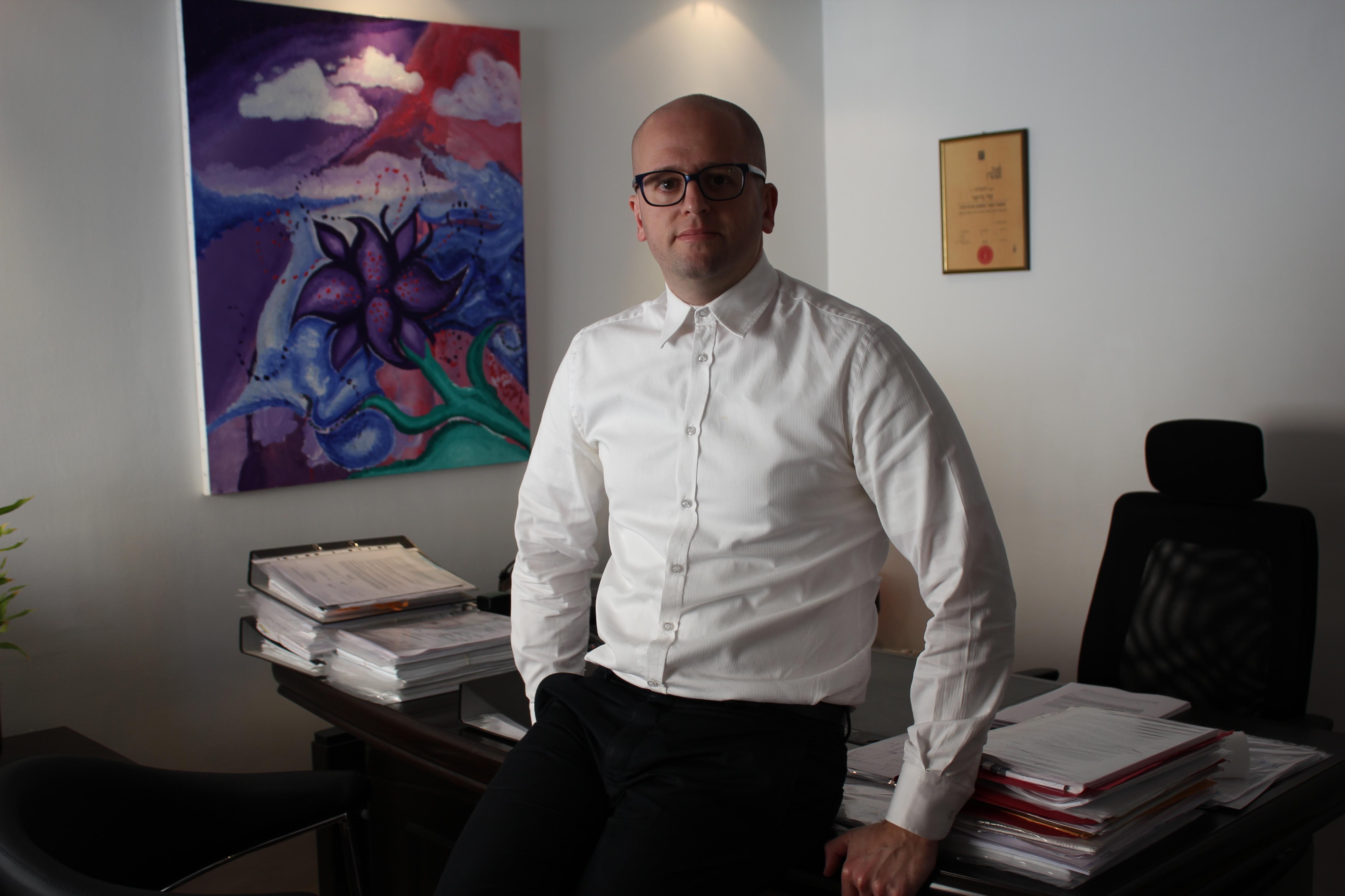טל בייצר עורך דין